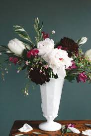 Flower Arranging For Beginners 4 Steps To Creating A Professional Flower Arrangement The Everygirl
