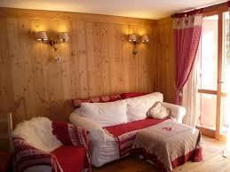 rivestimenti interni in legno alpenbau falegnameria serramenti in legno valle d aosta