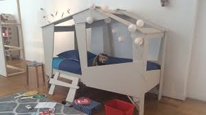 but chambre enfant lit enfant cabane but urbantrott com