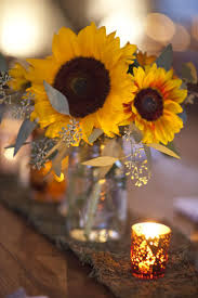 sunflower centerpieces in mason jars cerca con google wedding