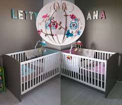 chambre de bébé jumeaux déco hiboux pour vos petits roudoudous luminaire enfant le