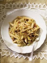 cuisiner chou pointu pasta con cavolo pâtes au chou et aux chignons ricardo
