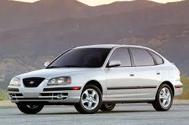 2005 hyundai elantra review 2005 hyundai elantra overview cars com