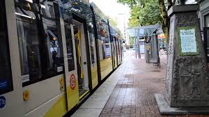portland trimet max light rail train of siemens type 5 cars nw
