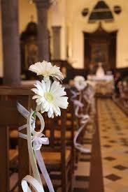 decoration eglise pour mariage décoration banc d église casamiento bancs