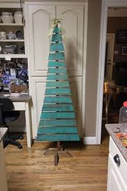 wooden pallet christmas tree 6 u0027 tall painted and stained selling