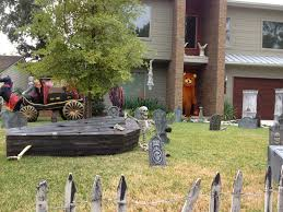 Yard Halloween Decorations 13 Spooky Halloween Yard Decor Ideas Page 2 Of 13 13 Spooky