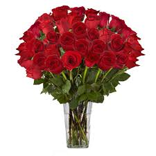 Red Flowers In A Vase The Ultimate Bouquet Gorgeous Red Rose Bouquet In Clear Vase 36