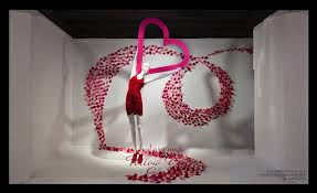 valentines day window display ideas and suggestions