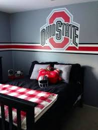 ohio state fans you too can have a similar room using the u stripe