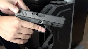 Biometric Gun Safe Wall Mount Gunvault Speedvault Svb500 Biometric Gun Safe Youtube