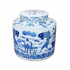 beautiful blue and white fish motif round ginger jar 8