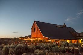 wedding venues in oregon top barn wedding venues oregon rustic weddings