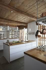 cuisine chalet chalet design 17 photos de chalet à la déco moderne côté maison