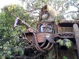 cool tree house really cool tree houses to live in future homes houses in the