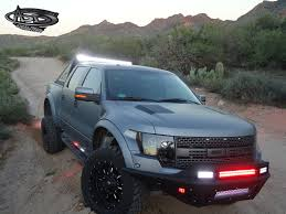 ford raptor jump is the ford f 150 raptor the best looking pick up truck right now