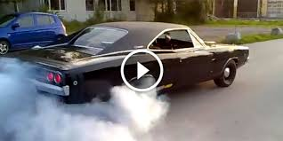 68 dodge charger rt 440 smokey burnout with the 1968 dodge charger r t 440 that