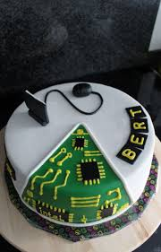best 25 computer cake ideas on pinterest cake name 17 birthday