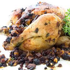 cuisiner poulet entier poulet entier aux fruits séchés et saucisses italiennes metro