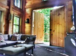Highland Barn Antiques Primitives Tree House Off The Grid Built By Pete Nelson Treehouses For