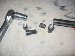 bravo 3 hinge pin removal