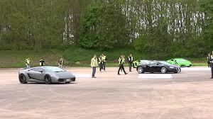 bugatti veyron vs lamborghini gallardo bugatti veyron vs lamborghini gallardo superleggera vmax200