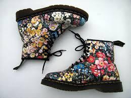 dr martens black friday 20 best doc martens dr martens images on pinterest shoes