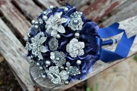 blue and silver wedding 29 gorgeous navy and silver with a sparkle wedding ideas