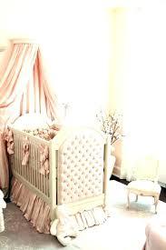 chambre bébé romantique lit de bebe fille chambre bebe grise et lit bebe deco capitonne