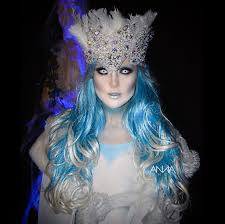 126 Outrageously Awesome Celeb Halloween Costumes Ice Queen