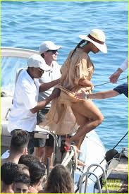 beyonce z continue vacation in italy photo