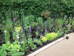 Border Ideas For Gardens Planter Bed Design Spotting Out Front Garden Planting By Pete