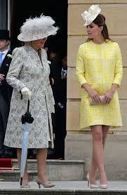 duchess kate duchess kate recycles emilia wickstead dress duchess kate kate brightens up the queen s garden party in yellow