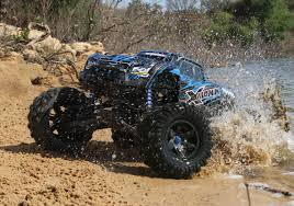 rc monster truck racing traxxas x maxx 1 6 rc monster truck rtr waterproof this rc is