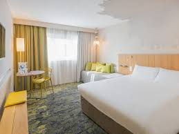 hotel chambre familiale tours cheap hotel chambray les tours ibis styles tours sud