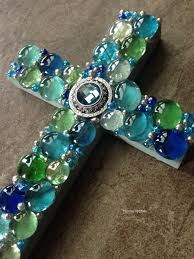 diy how to make a mosaic cross