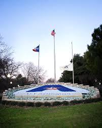 Texas Flag Half Staff Our Favorite Spots For Graduation Photos U2013 Social Uta
