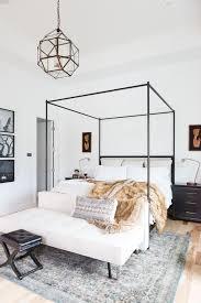 chambre lit baldaquin déco chambre baldaquin et ciel de lit tendance côté maison