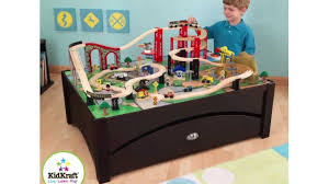 imaginarium train table 100 pieces kidkraft metropolis 100 piece wooden train table set 17935 youtube