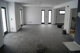 graue wohnzimmer fliesen graue wohnzimmer fliesen charmant auf moderne deko ideen auch grau 7
