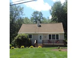 cape cods for sale in mahopac cape cod style homes in mahopac ny