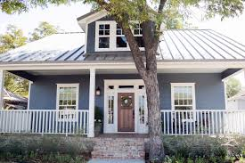 Craftsman House Style Design Tips From Joanna Gaines Craftsman Style With A Modern Edge