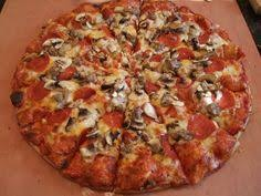 round table pizza lynnwood a college staple scu students often take advantage of deals from