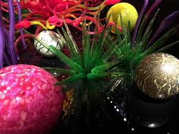 chihuly glass sculptures april 2016 picture of chihuly garden