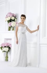 simple wihte christmas wedding dress with short sleeves
