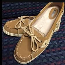 khombu womens boots sale 60 khombu shoes nwt khombu s boat shoes size 7 from