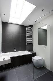 große badezimmer badezimmer fliesen idee einsatz große fliesen auf dem boden und