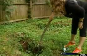 Sinkhole In Backyard Atlanta Sinkholes Baffle Resident Lori Woroschuk Who Apparently