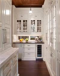 kitchen backsplash mirror 25 best mirrored backsplashes images on mirror