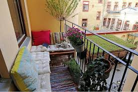 Outdoor Balcony Rugs Outdoor Home Decor With Striped Rugs 12 Beautiful Outdoor Rooms